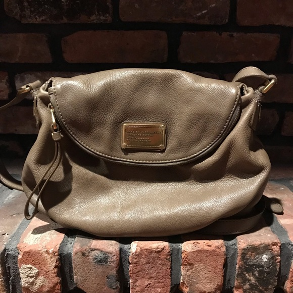 Marc By Marc Jacobs Handbags - Taupe Marc by Marc Jacobs Natasha crossbody